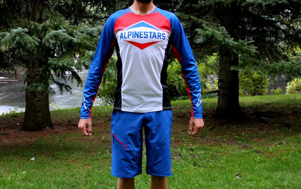 Alpinestars Pathfinder Shorts and Mesa LS Jersey