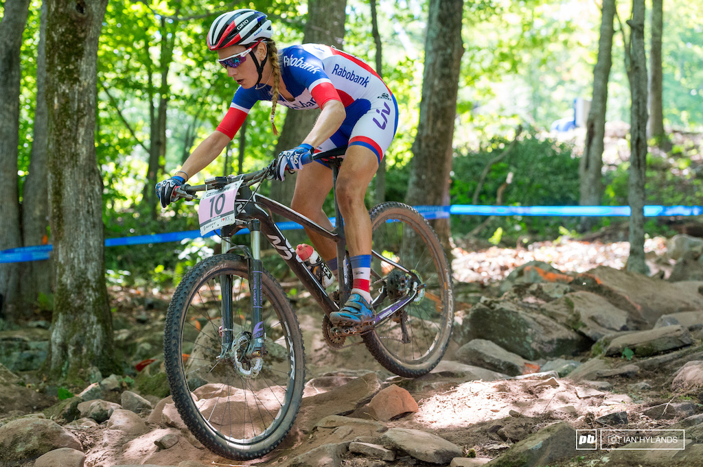 Pauline Prevot has won World Championship titles in Cyclocross and Road Racing, and in 2009 she was the Junior XC World Champion. She just took off in this race and never looked back, top of the 2nd lap and already almost a minute up on the rest of the field.