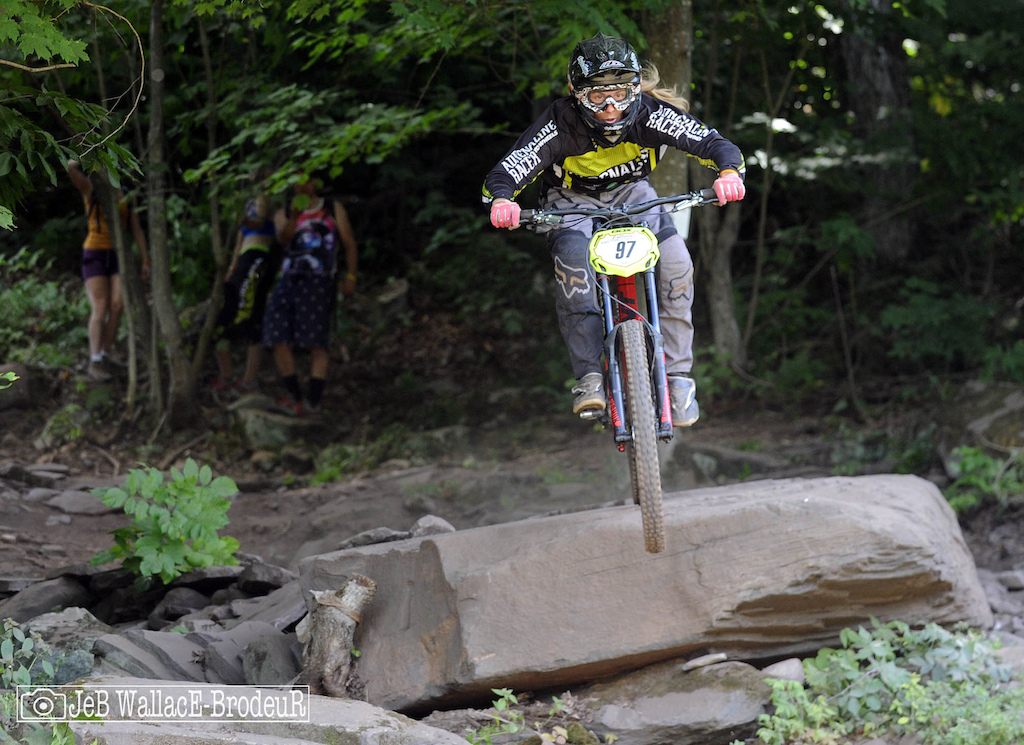 Vittoria Eastern States Cup Race the World DH