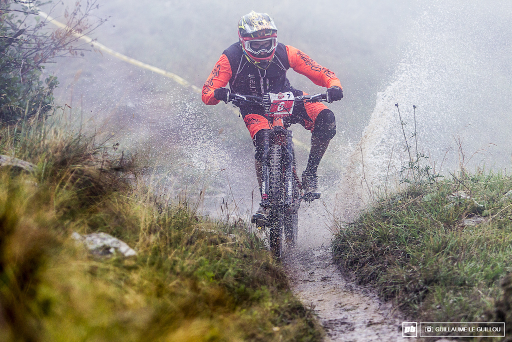 Yannick Pontal is pretty regular in the top five since the last 3 stops he is now 3rd with 1015 points. He will have to fight with Camille Servant 1013 points and Baptiste Gaillot 1009 points at next Enduro Series in Tignes Vald is re to keep his rancking.
