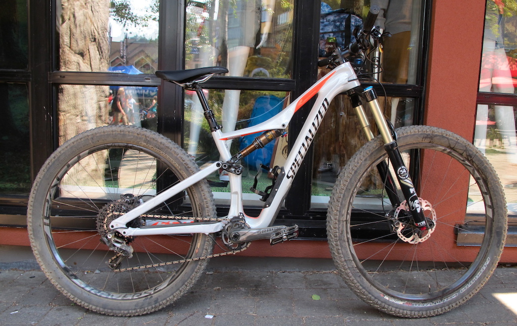2016 Specialized Rhyme Expert Carbon 6Fattie from the Ladies line up. 6500 USD