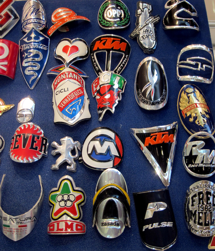 Frontalini A Rilievo has rekindled the lost art of custom head badges.  