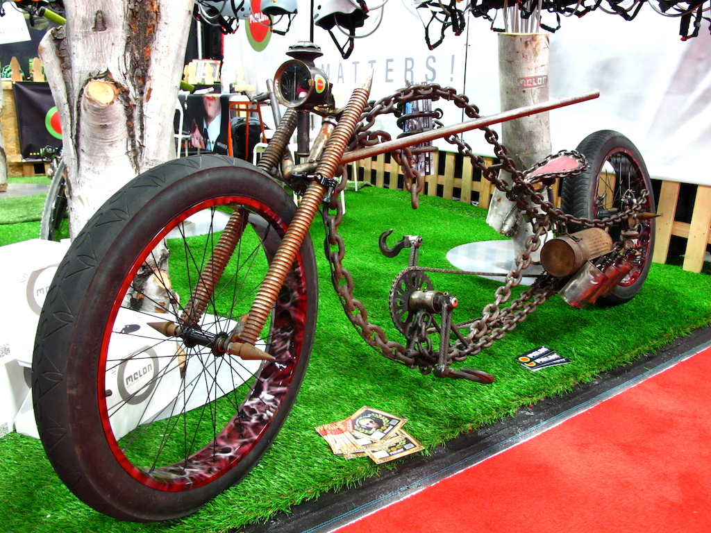 This is the most Mad Max esque cruiser bike I ve ever seen. Check out the pedals.