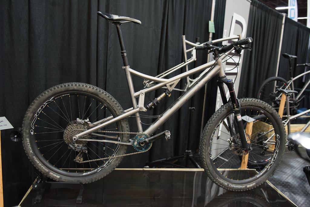 Dean Misfit prototype. 150mm of travel titanium frame handmade in Boulder CO.
