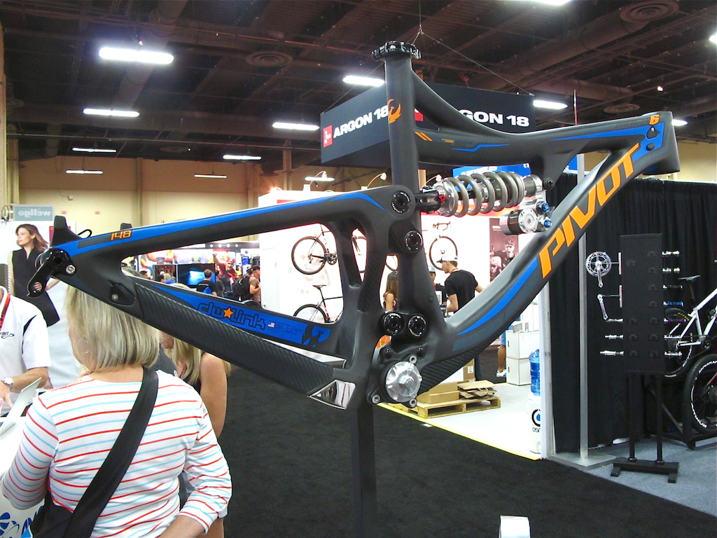 The Push rear shock is the first coil that s been approved by Pivot to run on their Mach6 frames.