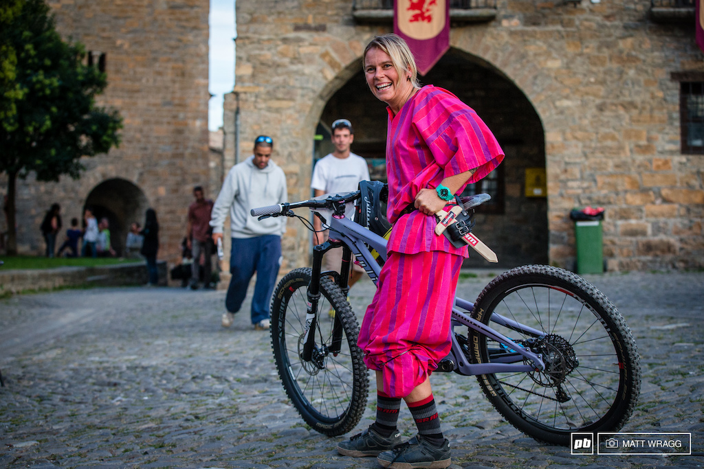 Anka Martin got fully into the spirt of thing and dressed in local costume for the prologue.