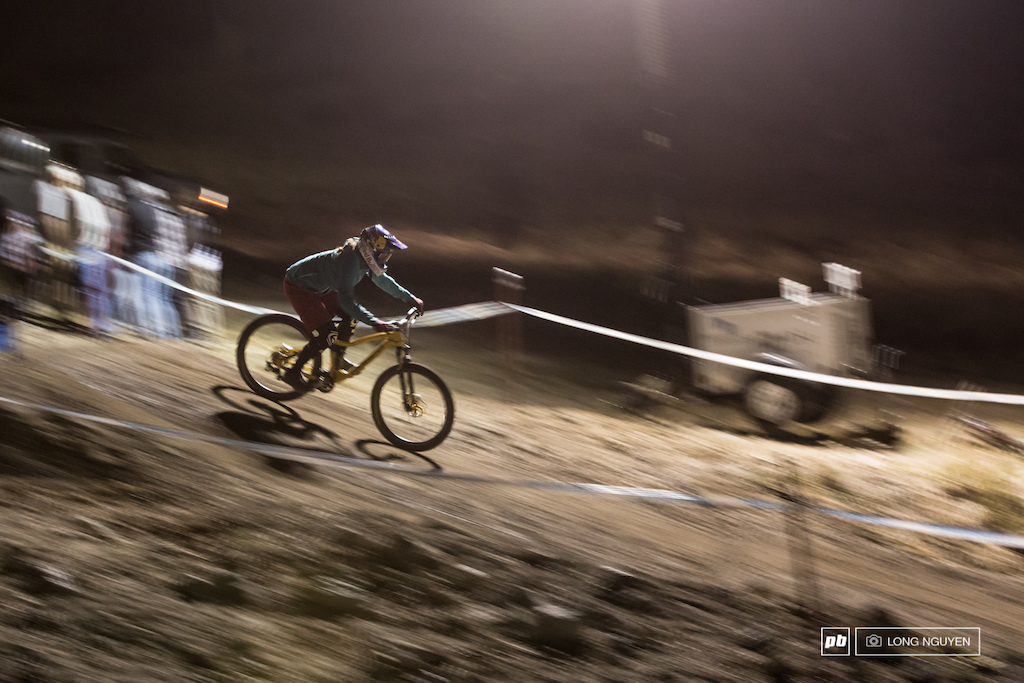 Jill Kintner is no stranger to dual slalom races and is flying through the course.