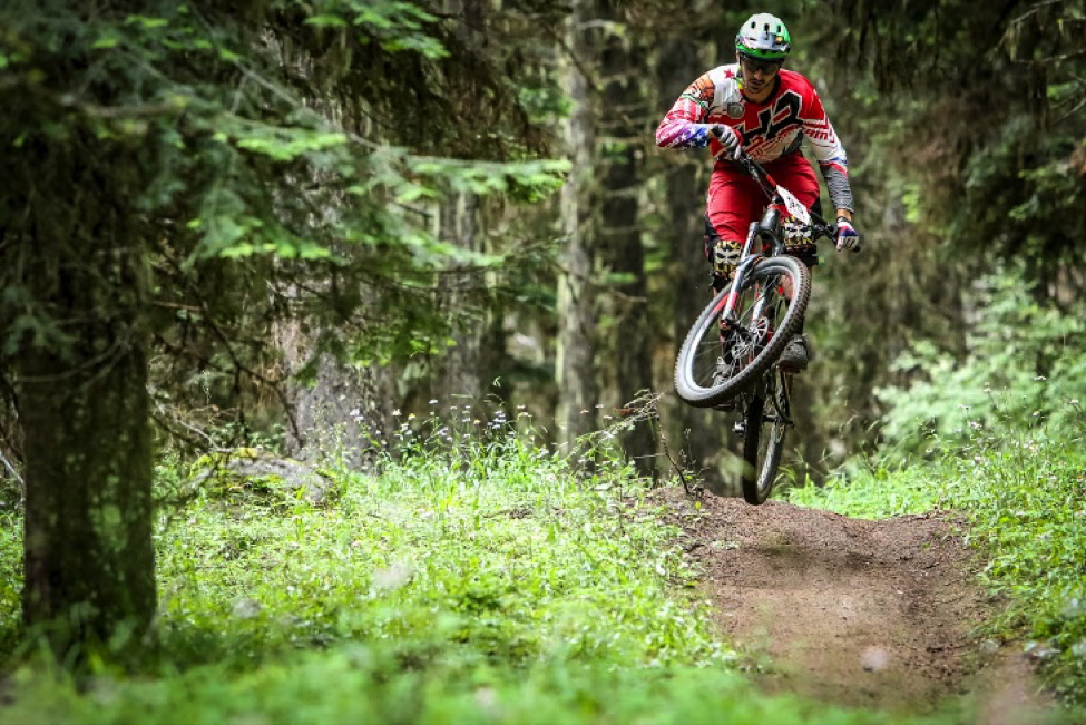 2015 Champion and Trail Head Racer superstar Ashton Smith sent it at the Ashland Challenge in Ashland OR. Photo by Called to Creation