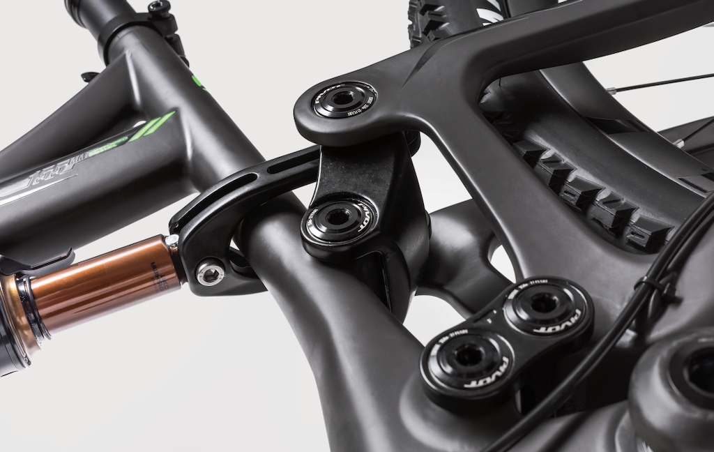Pivot Mach 6 C dw-link suspension detail 2015