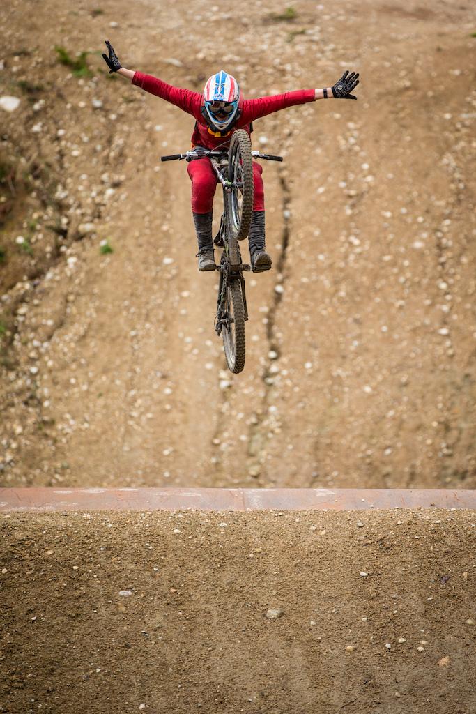 Aidan Woolliams tuck on the tube jump