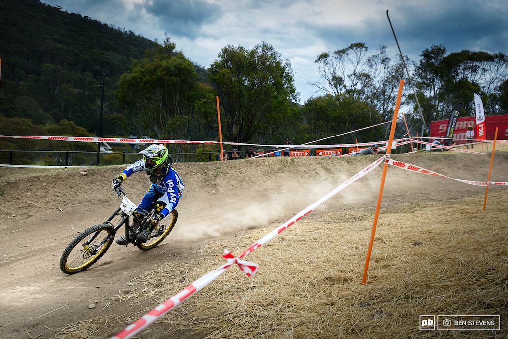 Sam Hill s final push for the finish line