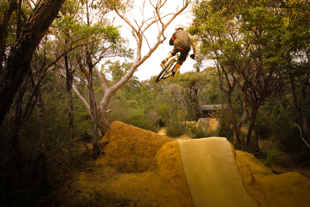 Lay of the Land - Riding Sydney s Northern Beaches