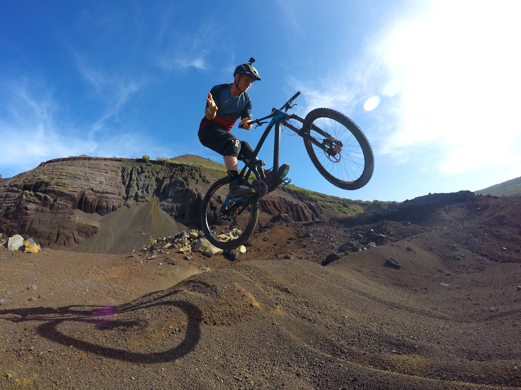 Learning i could barspin the enduro bike out in tenerife!!