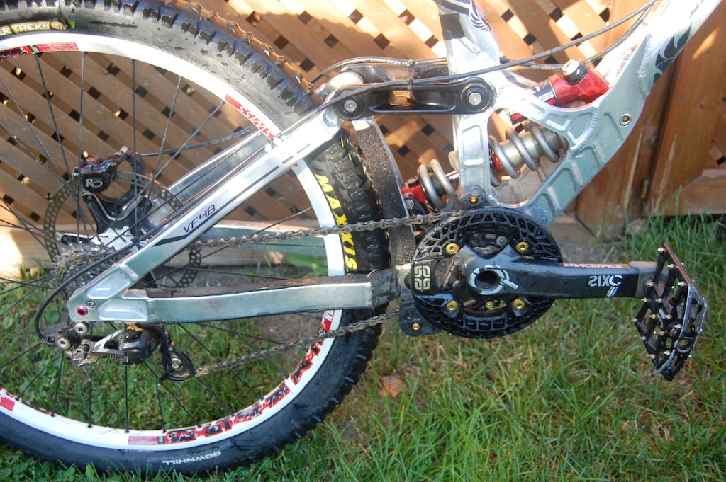 2014 Bos Stoy 9.5x3.0 shock