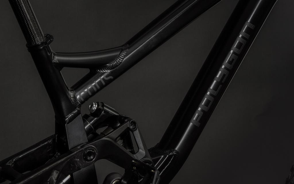 All black Polygon DH9 XL 13.86kg 30.55 pound articles images.
