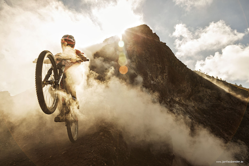 freerideing in bali on the vulcano Batur - thanks adidas outdoor.