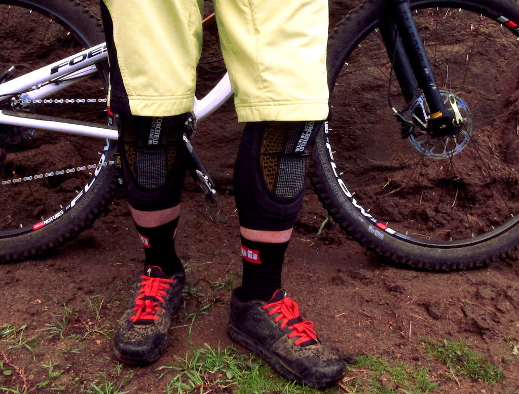 Forcefield Grid Knee Guards 2016