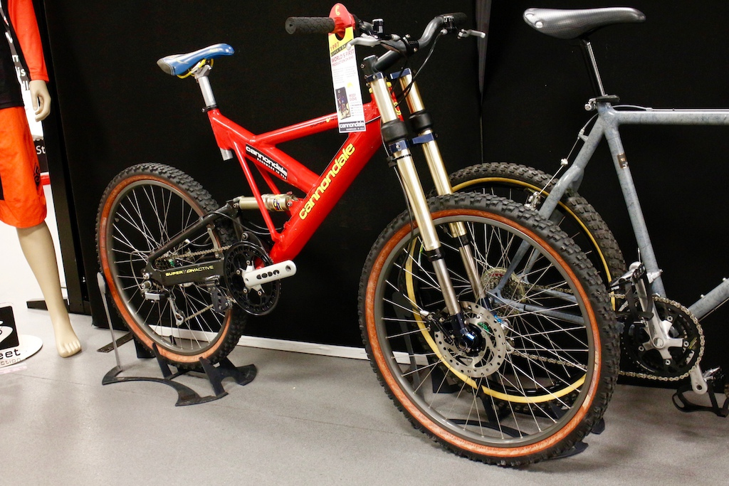Retro Cannondale - The Bike Place