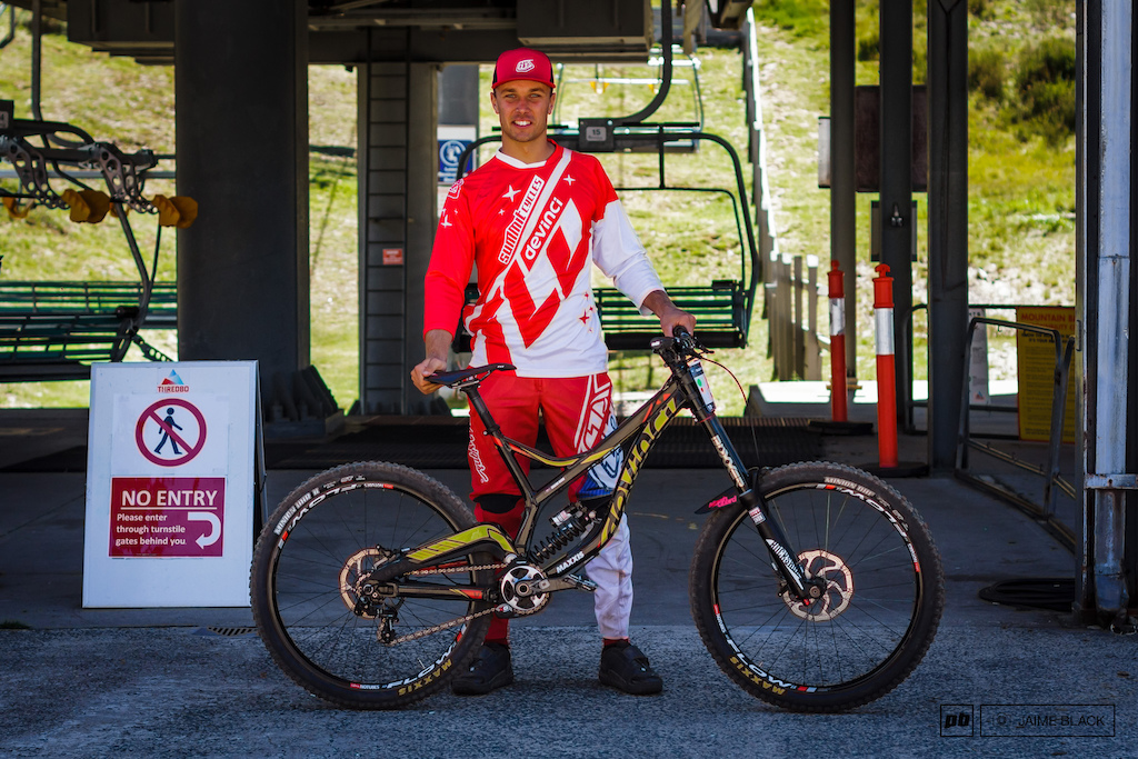 Graeme Mudd with his Devinci Wilson featuring an upgraded XX1 chainring.