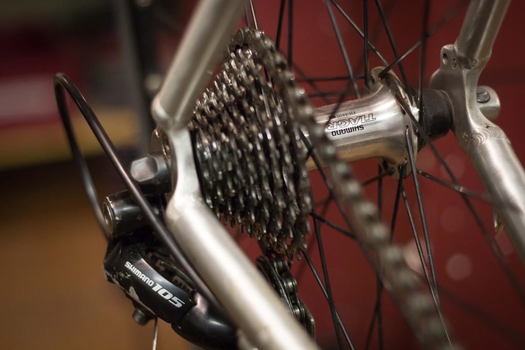 2006 Trek 1200 SL Road Bike