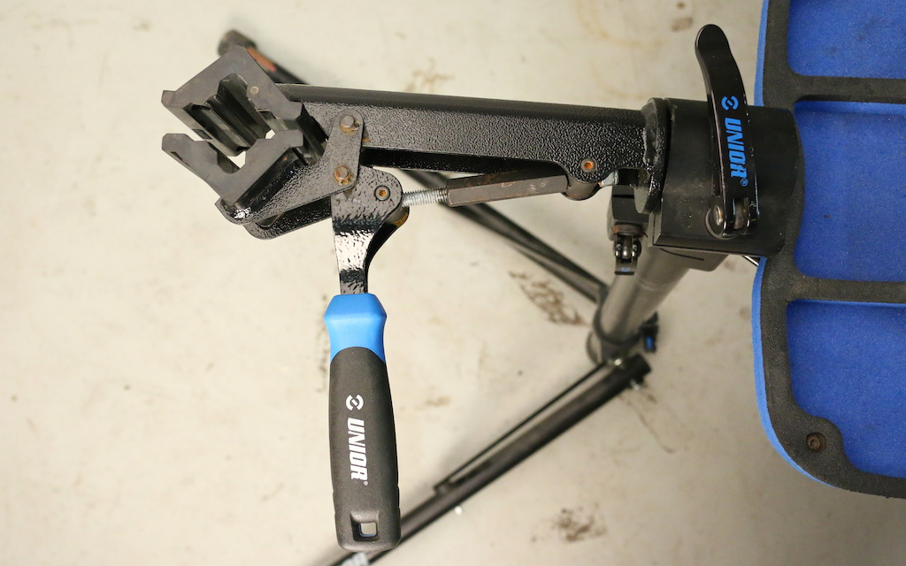 Unior BikeGator repair stand review test
