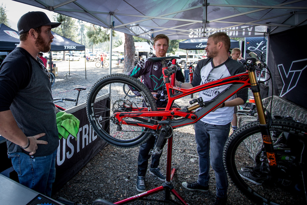 Gwin going over some SDG saddle feedback with SDG Owner Tyler Anspach. We were showed a new I-Beam that will launch next week. It may or may not be in this photo