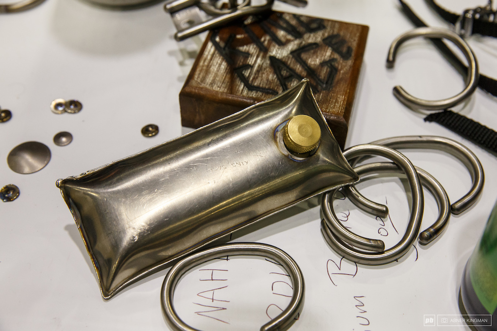 Stainless steel pocket flask from King Cage.