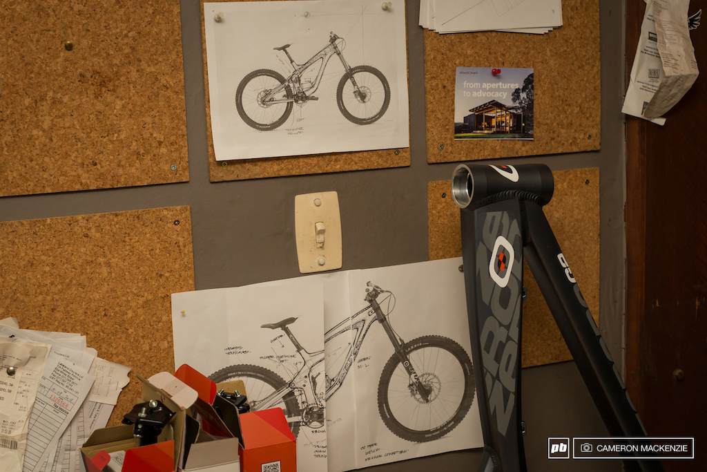 Concept drawings of a new Carbon Downhill bike