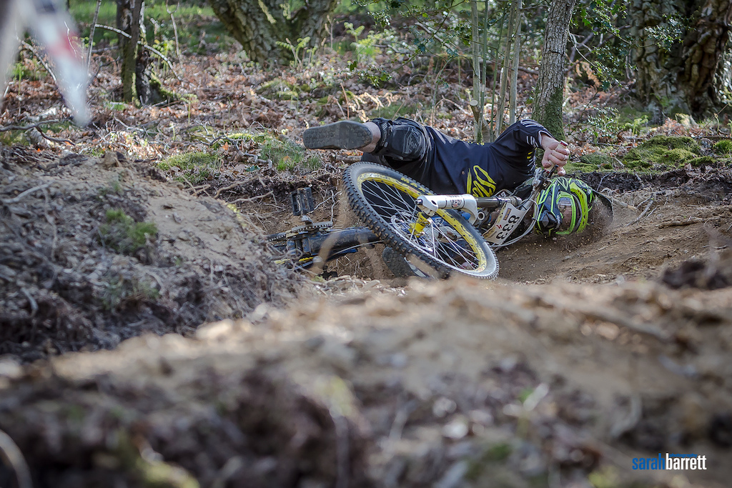 Eamo, Biting the dust at Pearce Cycles series 2015