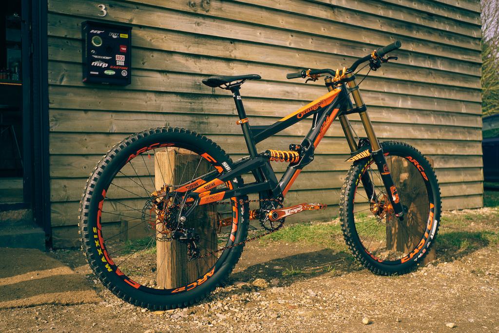 Custom Orange 324