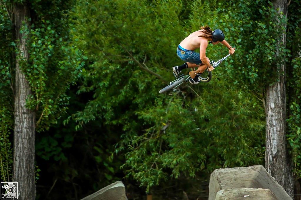 www.thomasgaffneyphotography.com www.facebook.com/thomasgaffneyphotography www.vimeo.com/thomasgaffney www.instagram.com/thomasgaffney