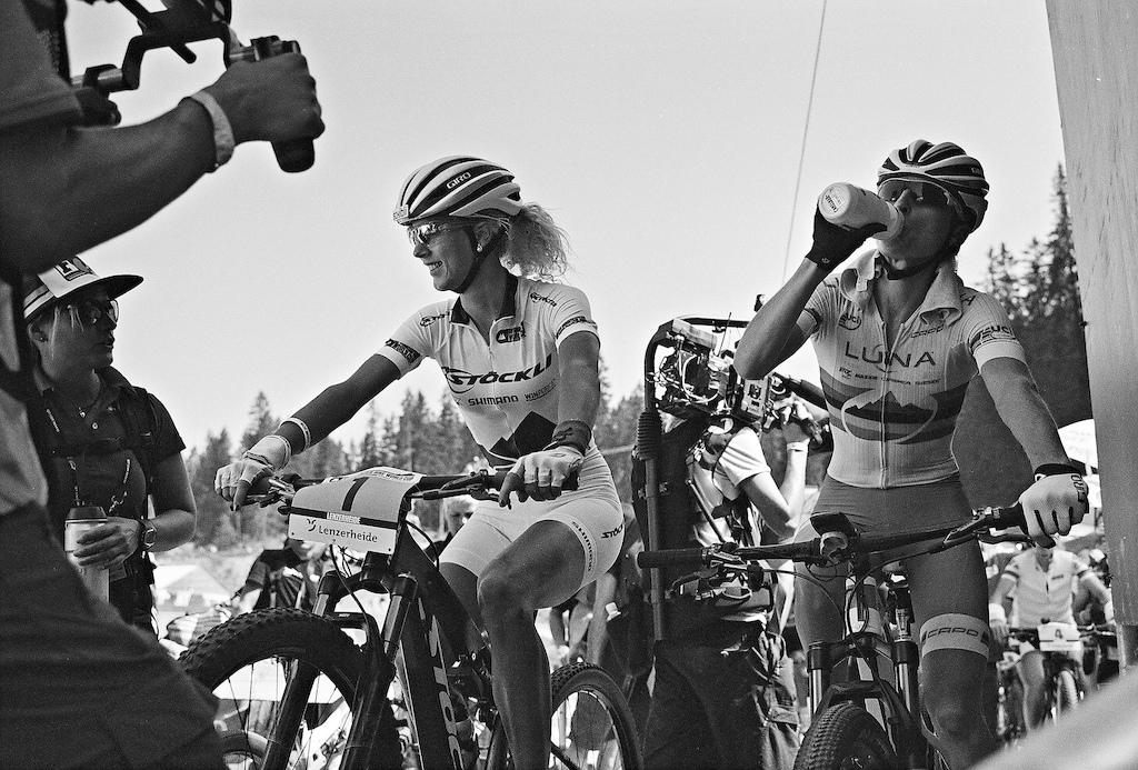 Jolanda Neff and Catherine Pendrelin the start box in Lenzerheide