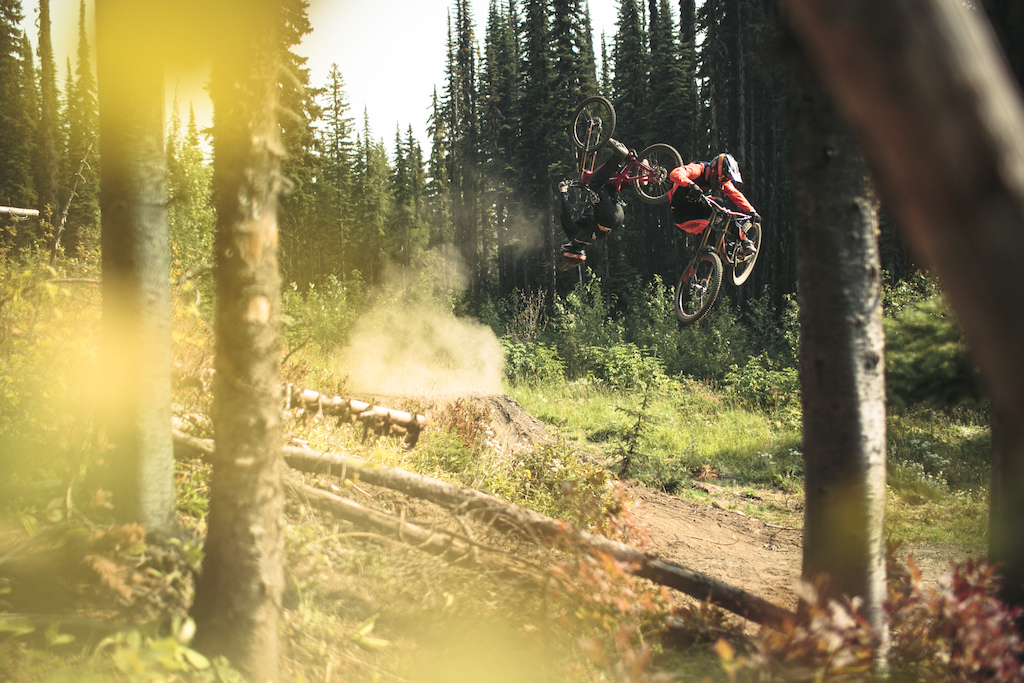 Full movie here : http://www.pinkbike.com/video/432593/
