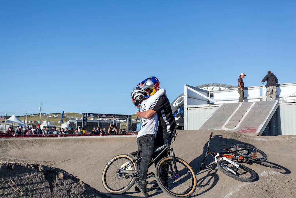 Barry Nobles embraces the winner of today s Pump Track Invitational. Nobles who was the raining champion lost by a narrow margin and finished in 2nd in the Pro Men s event.