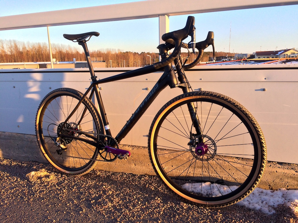 Cannondale Slate Force CX1 L-size.  650b, 30 mm suspension, 90's-like anodized components - what's not to like?