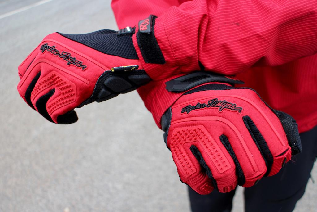 2016 Troy Lee Designs Ruckus Gloves