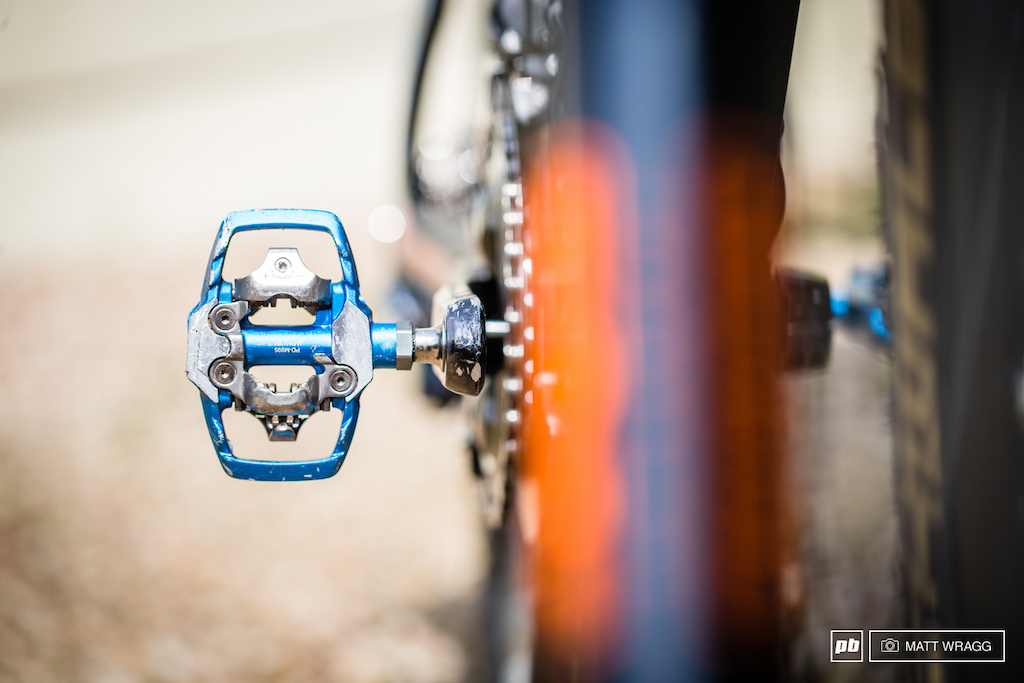 A touch of blue bling for Nico Lau s Shimano XTR pedals.