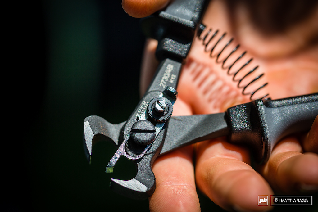 As a Schwalbe-supported team GT were ready for the cutting this weekend with the must-have tool of the season Schwalbe s precision tyre cutter.