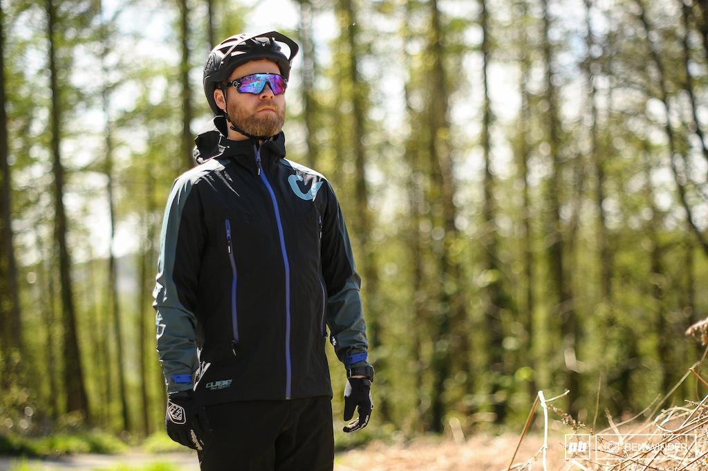 Cube AM Storm Jacket Review Photo Ben Winder