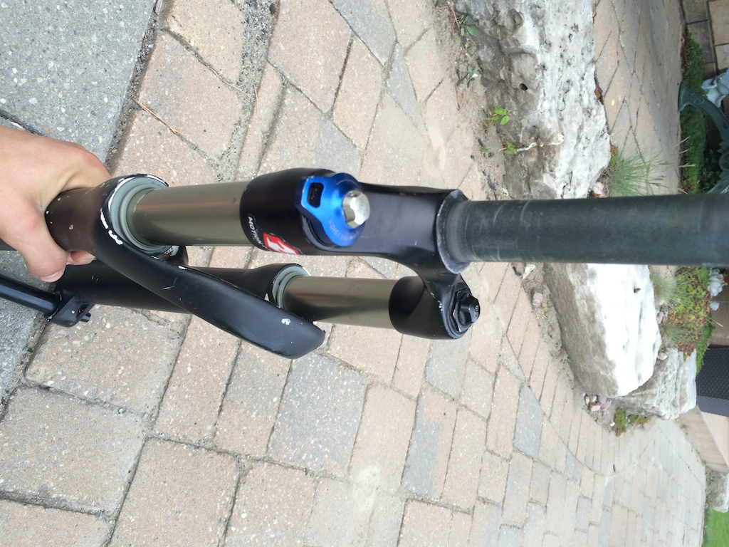 2010 Rock Shox revelation fork with argyle lower