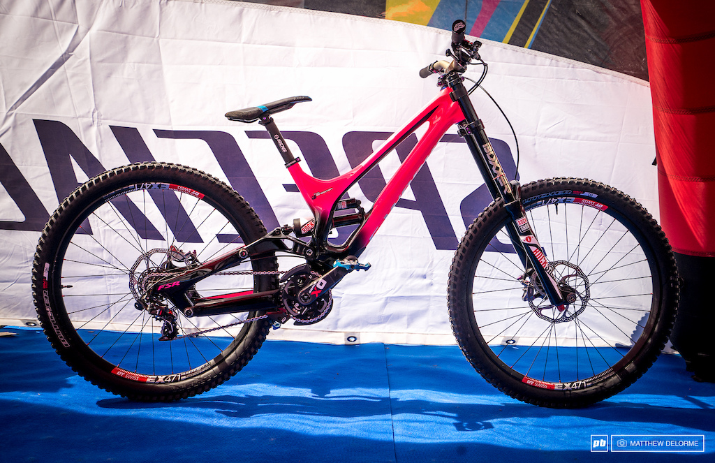 Troy Brosnan s Specialized Demo - Fort William World Cup 2016