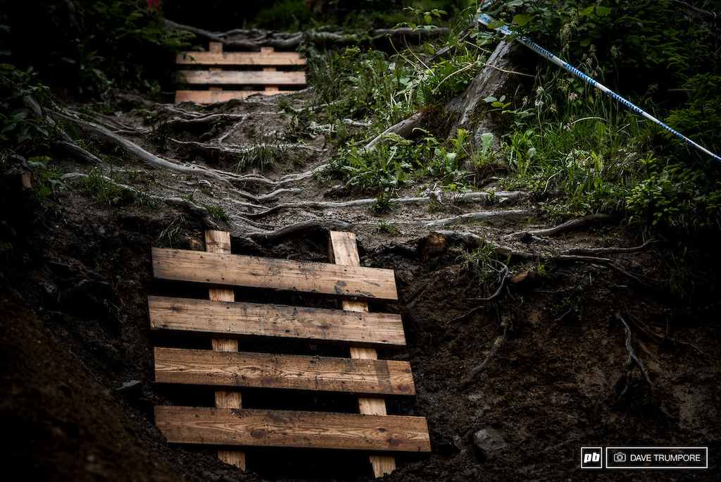 This section has been used year after year in Leogang without incident but organizers have now decided that this year there needed to be safety ladders to get down the pair of 1 meter drops.
