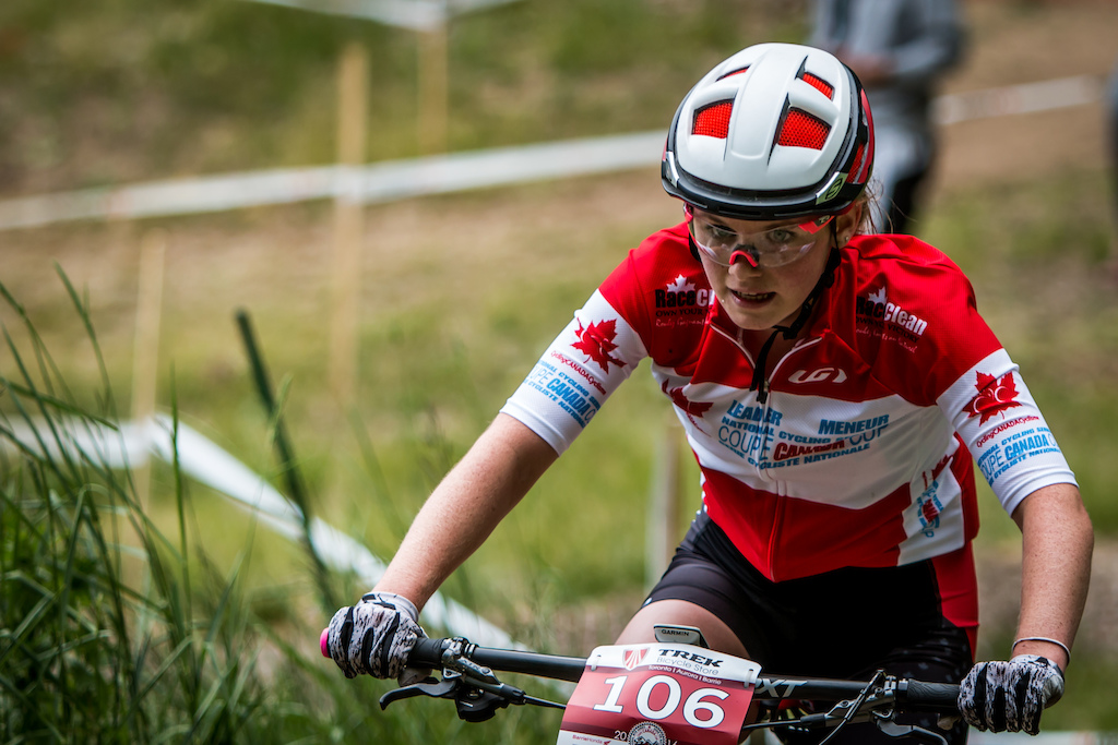 Meanwhile the junior women s race was a tight one. Emily Handford hit the front early but could feel Dana Gilligan Sidney McGill and Sophiane Samson breath down her neck for the majority of the race. She was able to hold them off and took her third Canada Cup win of the season.