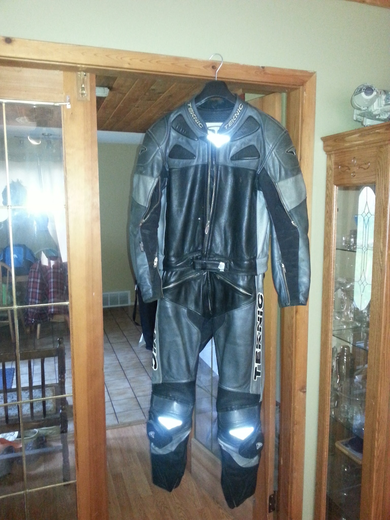 0 Leather Suit For Sale