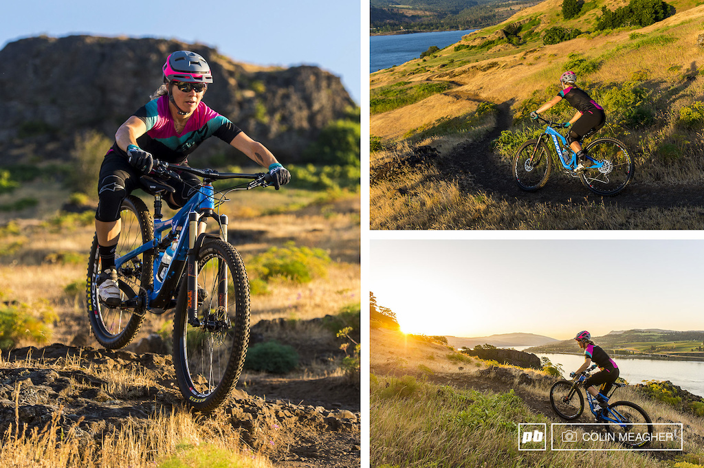 Nikki getting loose on the Syncline Trails with the Alpinestars Stella Pathfinder shorts and the Mesa SS Jersey.