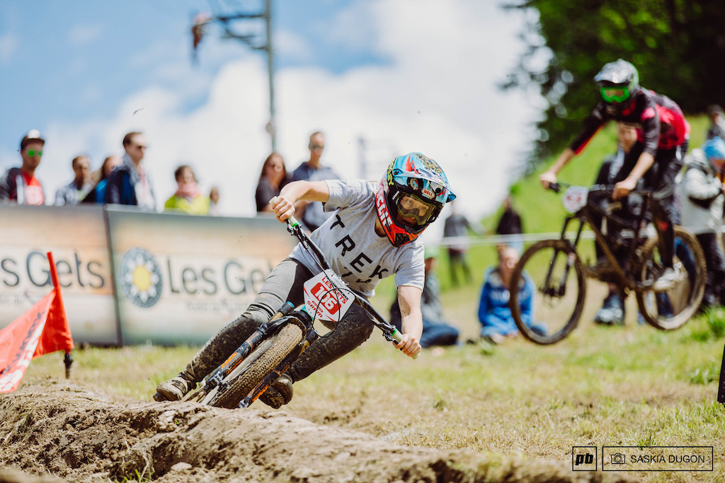 Casey Brown keeping her eye on the ball whilst shredding her way into 2nd place of the Dual Slalom.