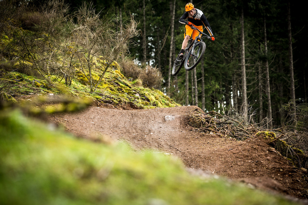 Images for D j Vu - Rhys Verner and the new Honzo Carbon article.