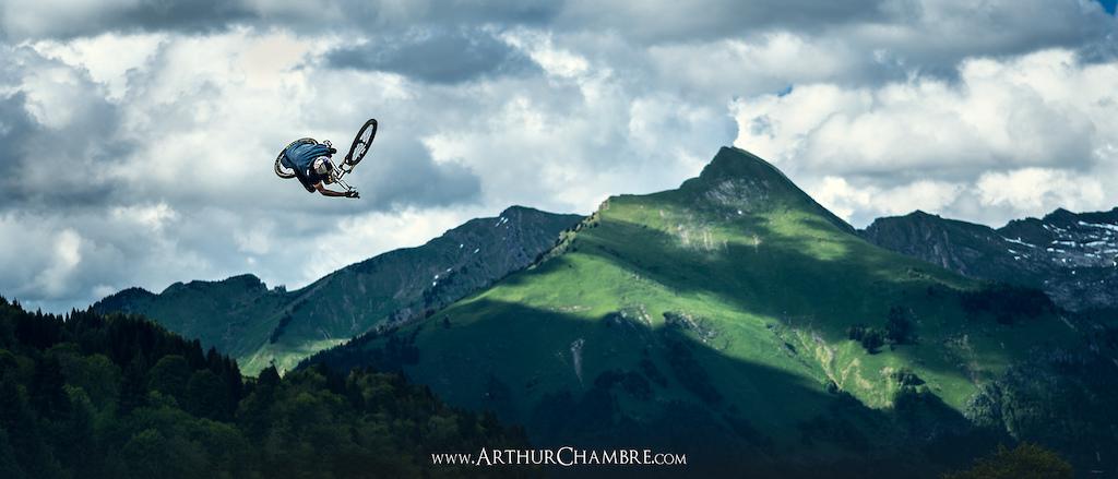 Thomas Genon - Crankworx 2016 - 360 table  www.ArthurChambre.com © @Arthur Chambre photographie