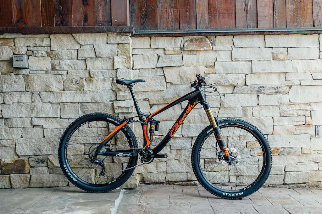 Ellsworth is answering critics with a very well thought out 160mm AM Enduro bike with the Rogue 60