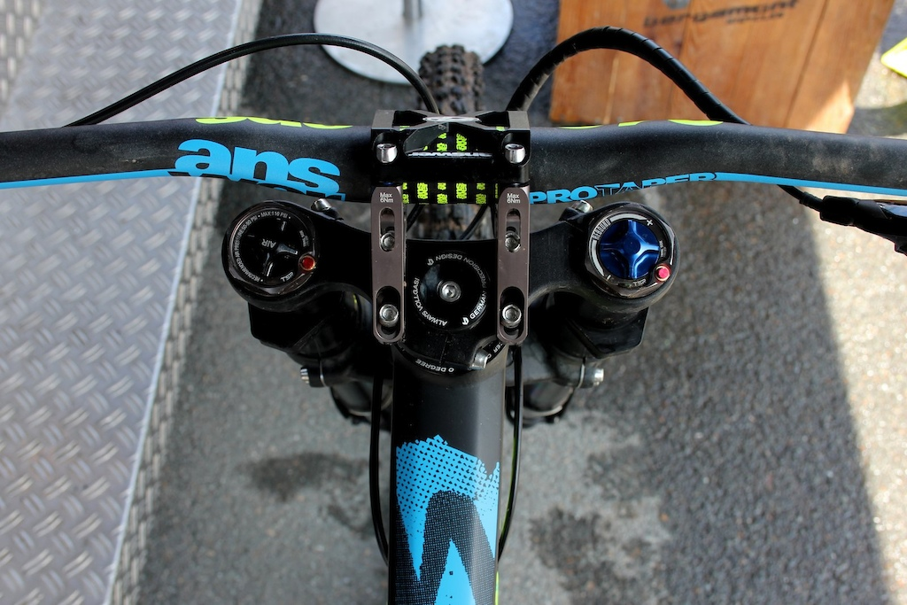 Answers direct mount stem gives riders even more tuning options between 45, 50 or 55mm length.